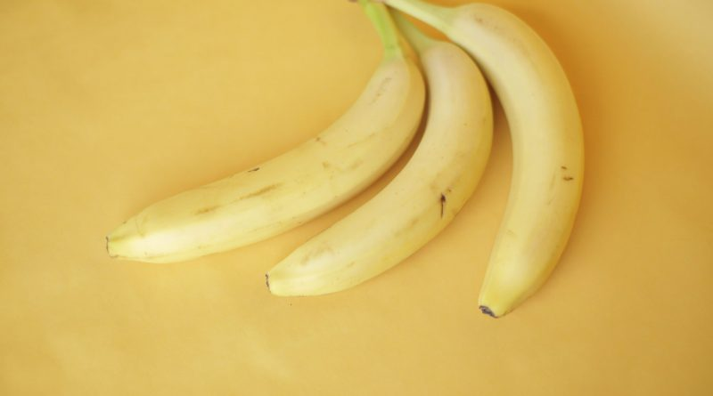 The Amazing Banana Fruit: Carbs, Calories, Nutrition Facts